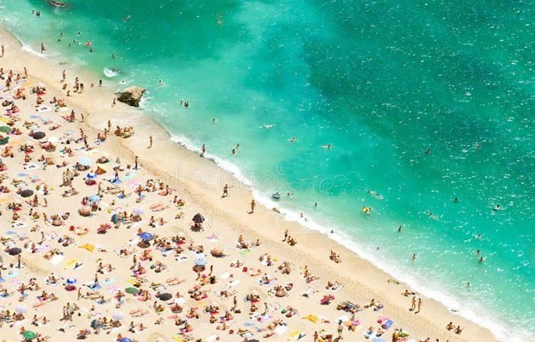 ljeto turisti plaža