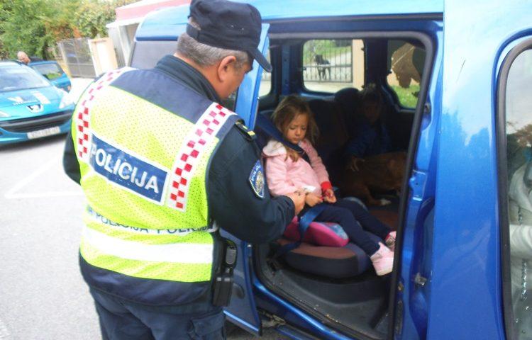 policija kikici 2