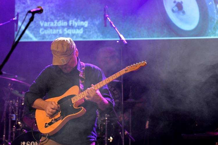 Festival letećih gitara