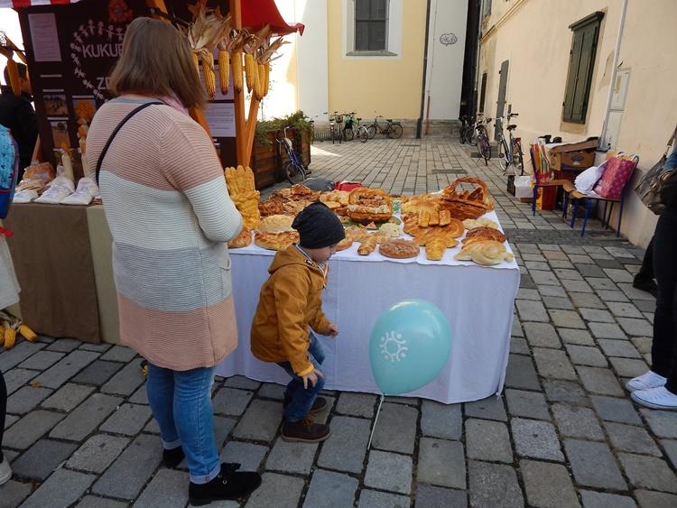 dani kruha 7