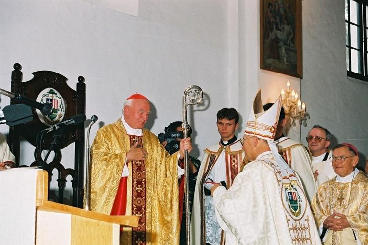 izlozba vzbiskupija1