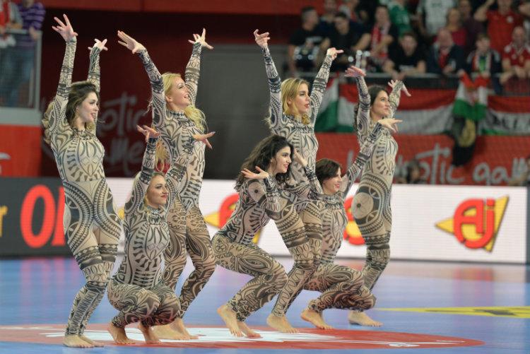 EURO_Madarska_Danska (19) Plesačice