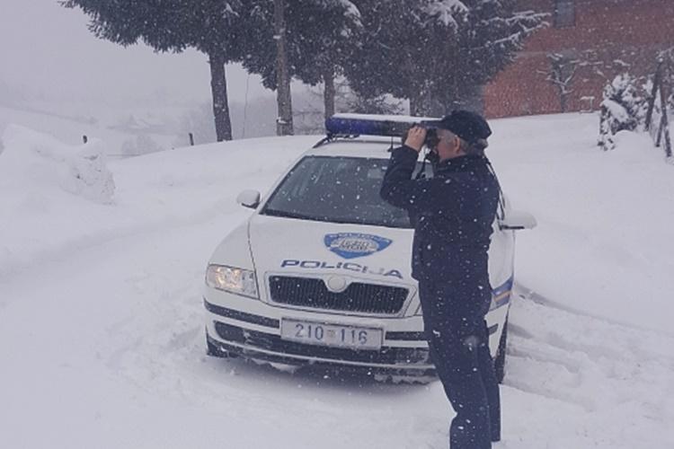 policija snijeg