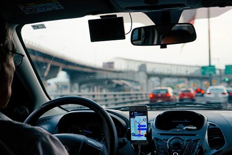 auto vozac promet
