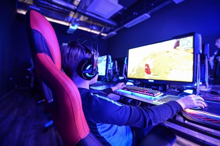 Dan gaminga_08