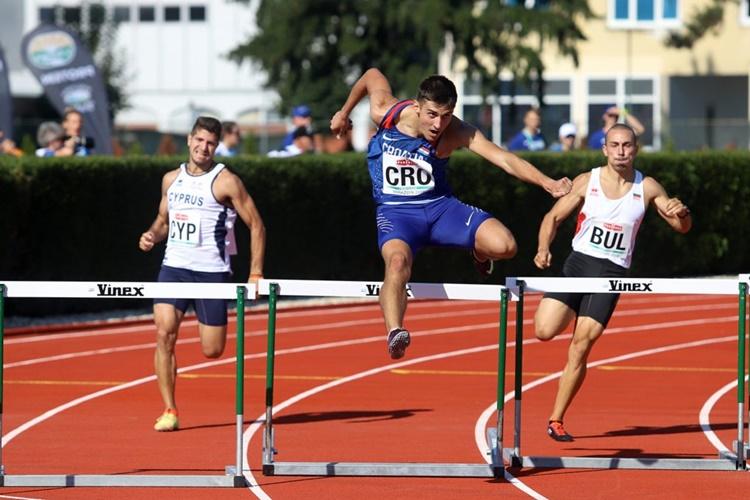 m-400-hurdles-parlov-cro-1024x746