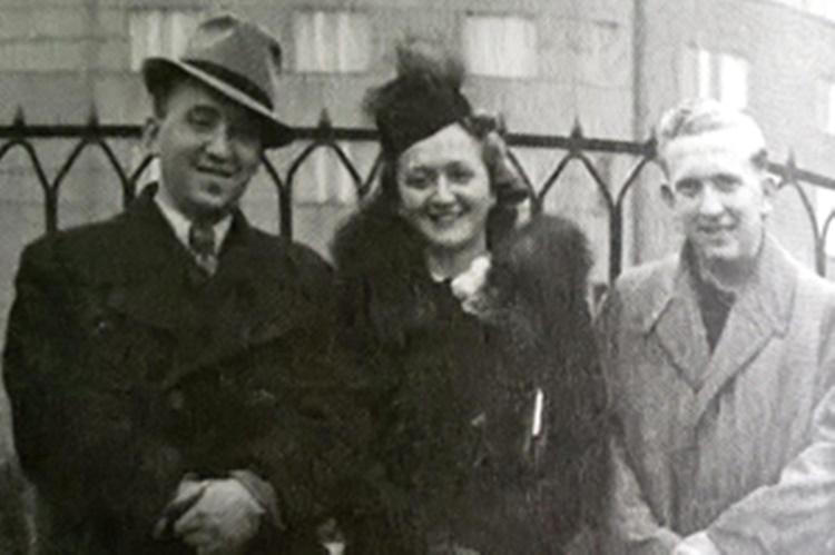 Žuži_Jelinek_sa_braćom_1939_godine