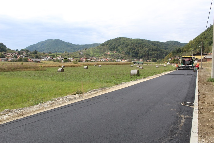 asfaltiranje_ceste_antekolovici_hudji_6