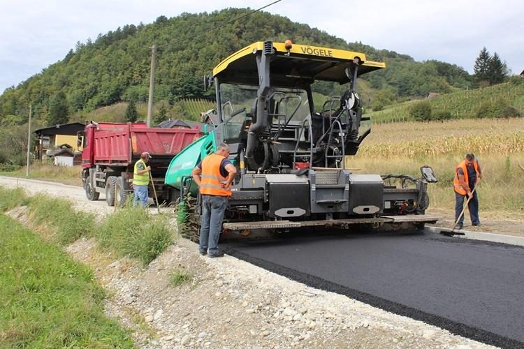 asfaltiranje_ceste_antekolovici_hudji_9