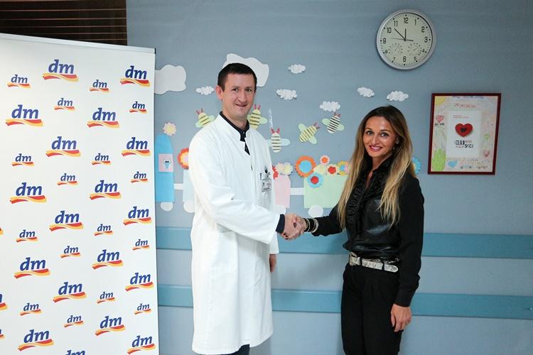 dr. med Nenad Kudelic, ravnatelj OB Varaždin i Dijana Kosic podrucna menadzerica u dm-u
