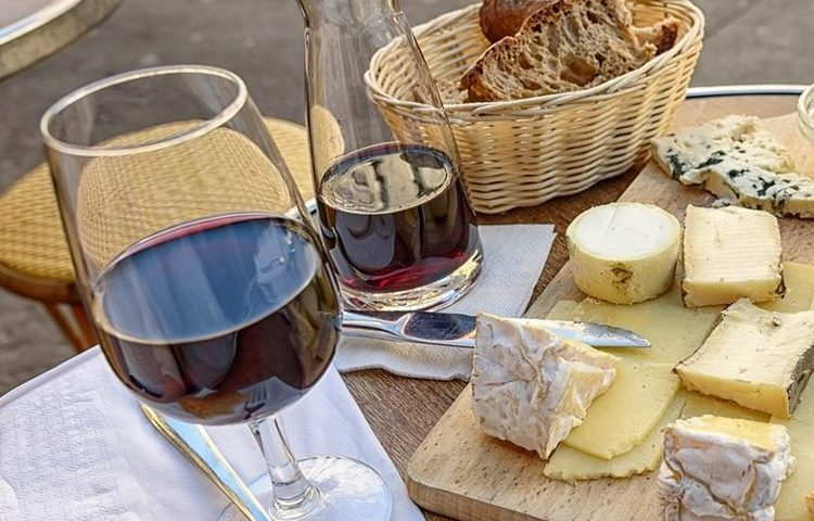 hrana sir vino