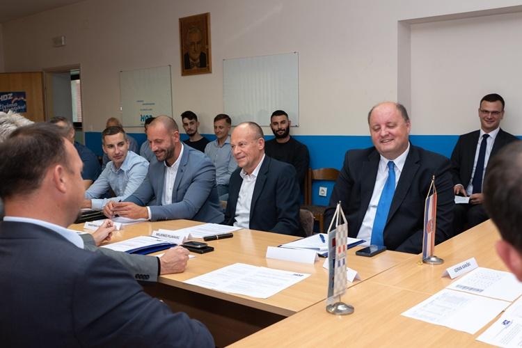 strucni odbor za upravu (12)