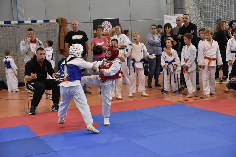 karate aik (2)