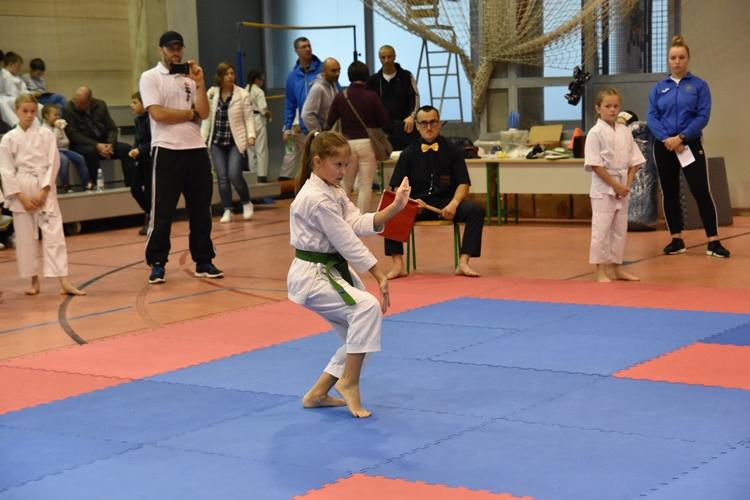 karate aik