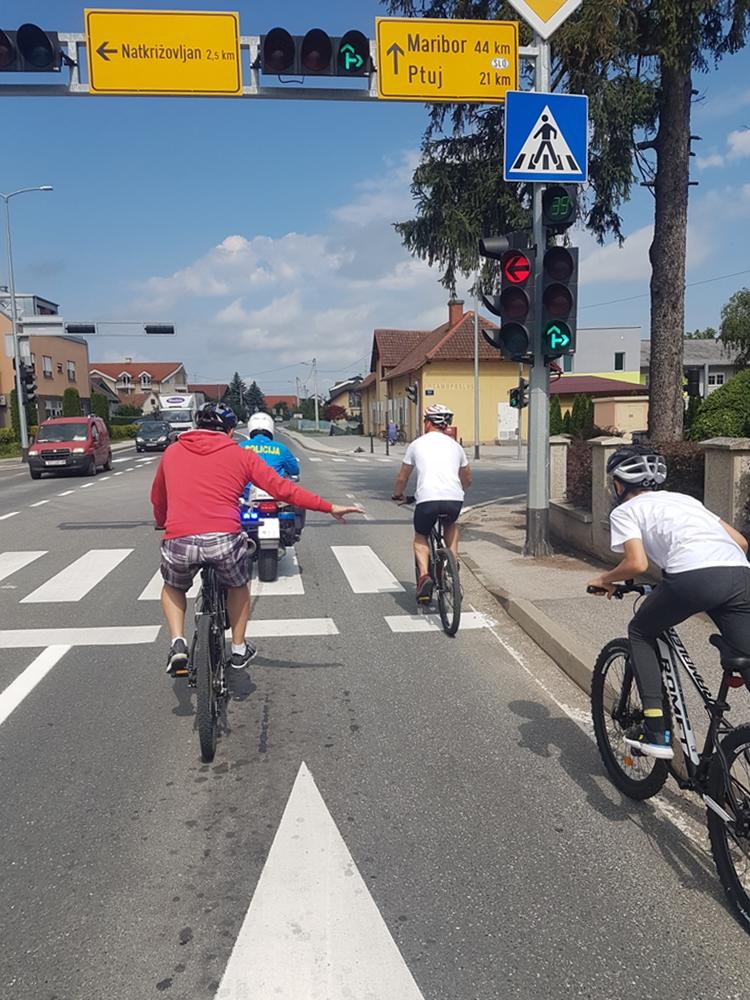 želim voziti bicikl raskrizje 1