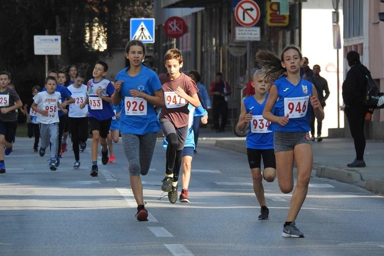 26 varazdinski polumaraton 3 djeca 500m