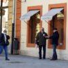 kafic kava grad ljudi korona (14)