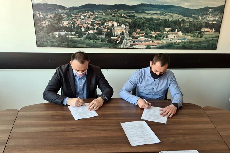 potpisivanje ugovora - uređenje sudovca (2)